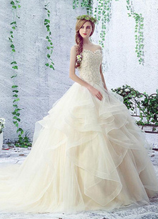Champagne Wedding Dress Lace Sweetheart Sleeveless Rhinestones Beaded Lace Up Chapel Train Bridal Gown