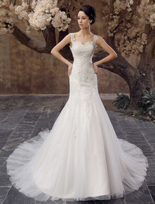 Chapel Train Ivory Applique Tulle Wedding Dress For Bride