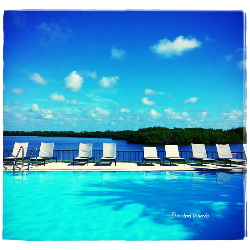 tamps-location-pool-water-clouds-bluesky-lounge