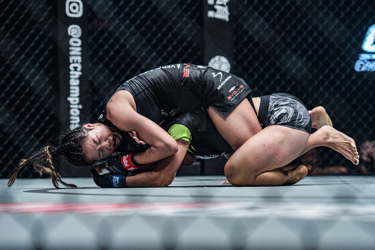 ONE: Century 世紀 Part I: Angela Lee secures thrilling late submission of Xiong Jing Nan