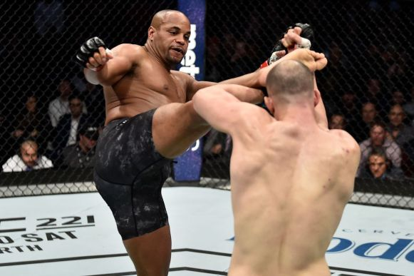 UFC: Khabib Nurmagomedov posts video of DC psyching himself up for UFC 220 fight...and it is INTENSE - Daniel Cormier