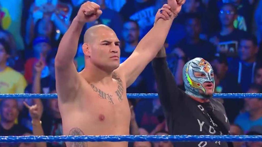 Former UFC champ Cain Velasquez confronts Brock Lesnar on his SMACKDOWN debut - Velasquez
