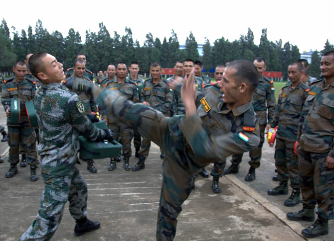 China recruits MMA fighters to train soldiers to fight India - China