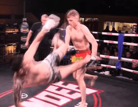 Cel mai neașteptat knockdown din Muay Thai (VIDEO)