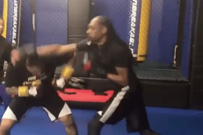 Snoop Dogg la primul său sparring în MMA (VIDEO)