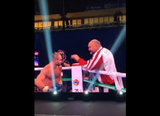 VIDEO. Boxer rus își ia la pumni antrenorul după meci. Antrenorul nu se lasă mai prejos