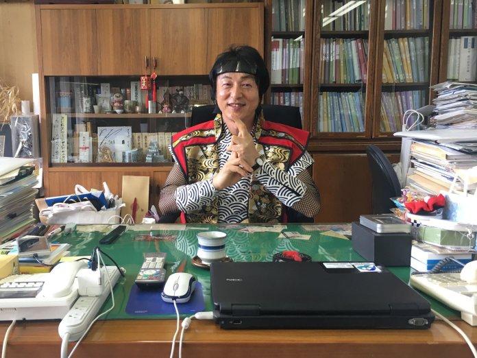 Japonia este în criză de ninja: Salarii de până la $85,000 pe an pentru a deveni ninjutsu! Sakae Okamoto, Primarul orasului Iga