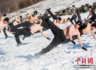 VIDEO. Cum arată pregătirile trupelor speciale din China la -20 de grade
