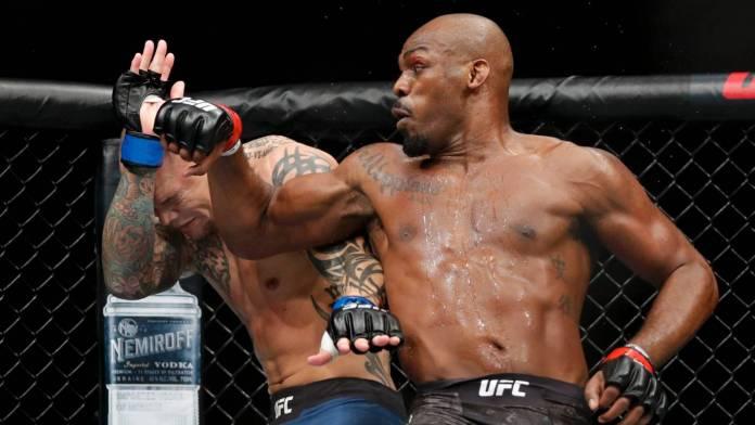 VIDEO! Avem un nou campion UFC! Vezi ce au făcut Jon Jones și Tyron Woodley la gala UFC 235!