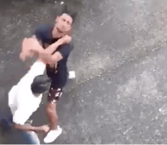 Vezi momentul șocant în care un antrenor din Brazilia își ia la bătaie pe stradă un fost elev!