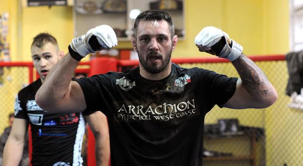 Karol Celiński po wyrównanej walce wygrywa w Brisbane! | MMA ROCKS