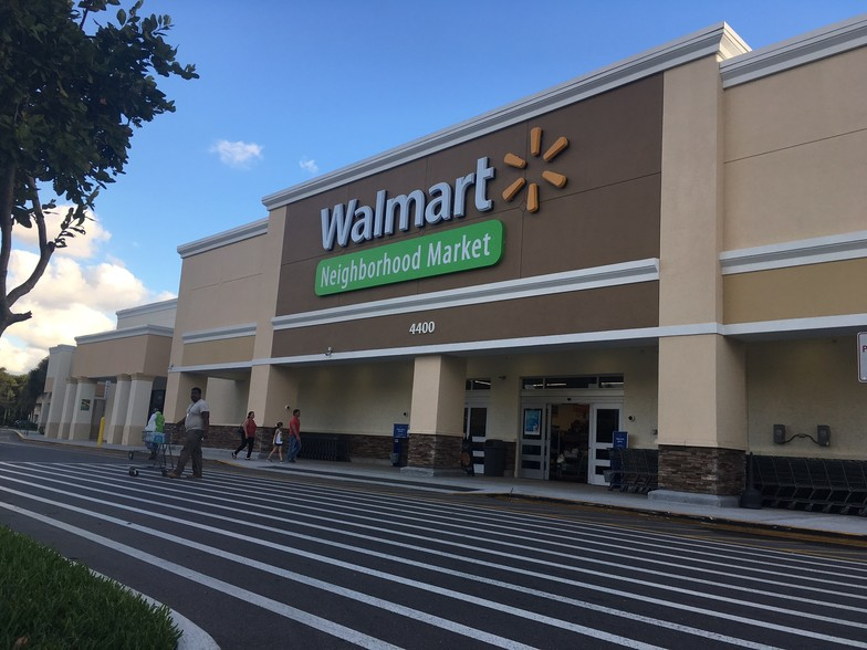 Shoppes of Forest Hill Florida Commercial Real Estate 2019