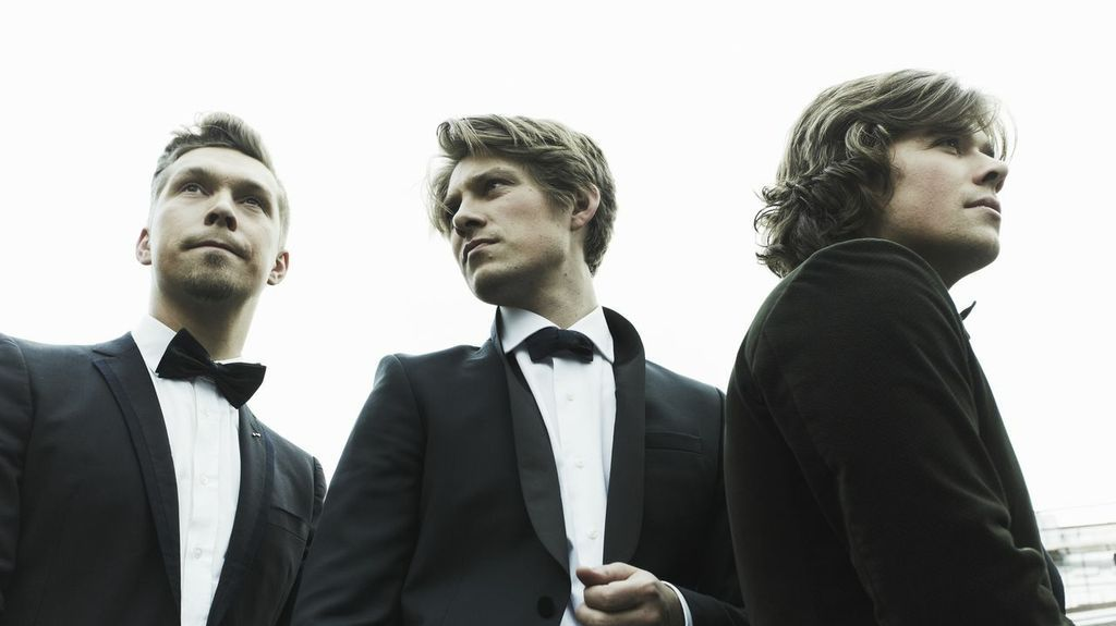 Band of brothers: Hanson bounces back with cheery new album