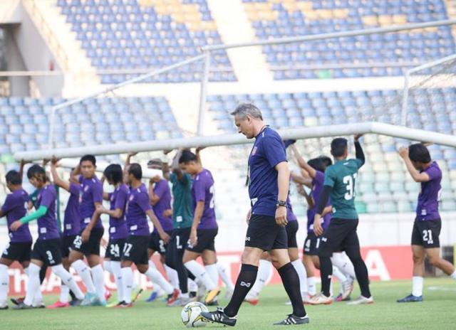 Myanmar national team head coach Antoine Hey in action during the first training session with the Myanmar national team at Thuwunna Stadium in Yangon on March 12. Photo - MFF
