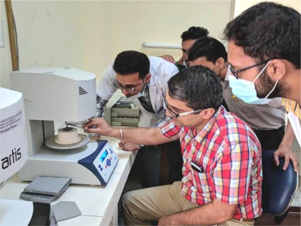 Prosthodontics Ceremic Lab