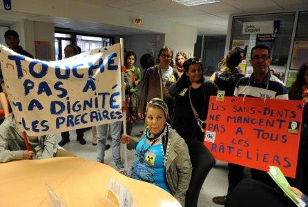 Les chômeurs, intermittents et précaires de Toulouse investissent Pôle Emploi