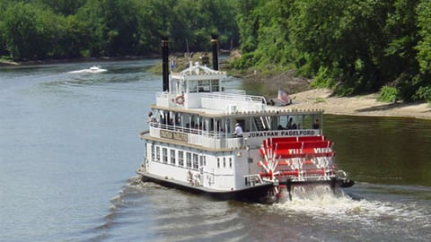 padelford Riverboat tours