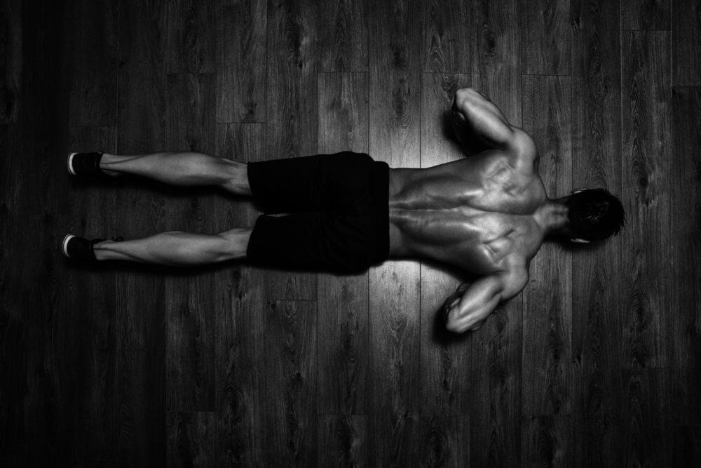 Biceps trainen met push ups