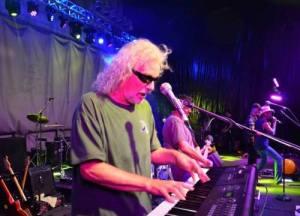 Bob Howes, Live At MnMbbq