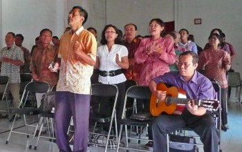 Indonesian Christians face increasing pressures from society