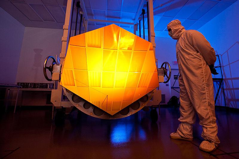 Lapisan Emas pada Teleskop James Webb