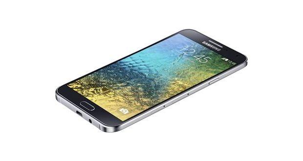 Samsung Galaxy E7 Overall View