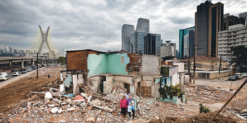 Demolição da favela Jardim Edite. Foto: Revista Época.
