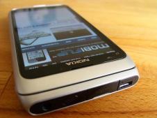 Nokia E7_4