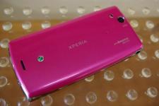 sony-ericsson-xperia-arc-pink (5)