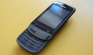 Touch and Type Nokia C2-02 (2)