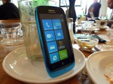 Nokia Lumia 610 (6)