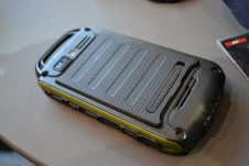 PX-3474_simvalley_MOBILE_Dual-SIM-Outdoor-Smartphone_SPT-800_3G_yellow (11)