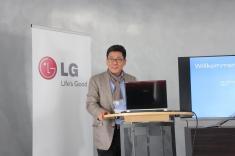 LG Optimus True HD LTE CEO