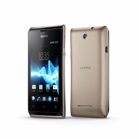 11_Xperia_E_dual_Group_Gold 7