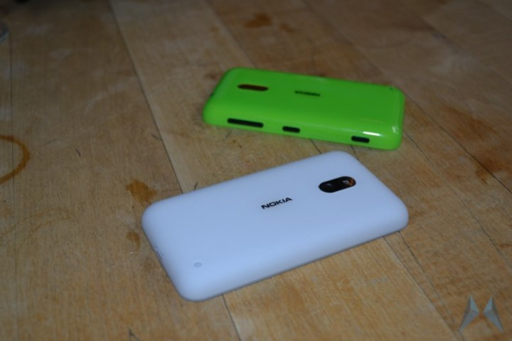 Nokia Lumia 620 Windows Phone (6)