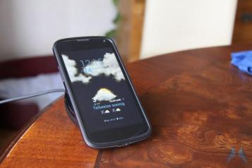 Nexus 4 Wireless Charging Orb (11)