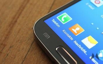 Samsung Galaxy S4 vs. HTC One IMG_2345
