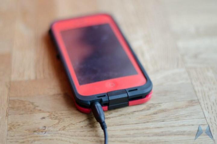 LifeProof Waterproof Case iPhone 5 (6)