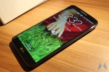 LG G2 Android Smartphone (2)