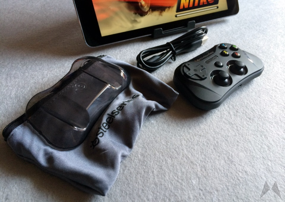 SteelSeries Stratus Wireless Gaming Controller (1)