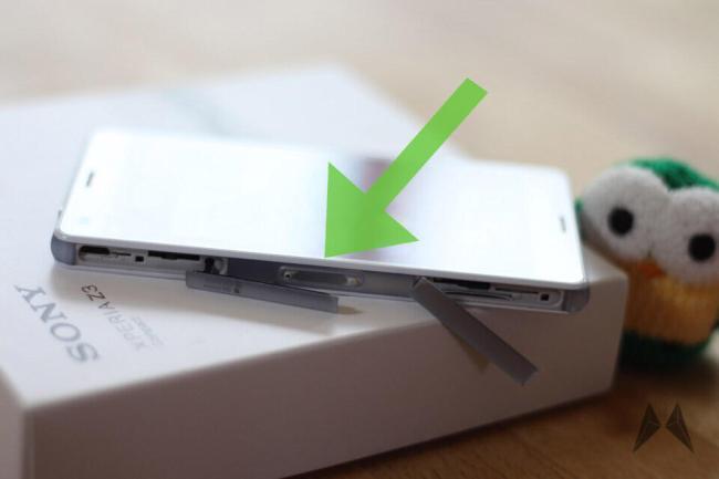 Sony-Xperia-Z3-Compact Dockingpins