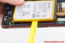 Xperia-Z3-Teardown_4-640x426