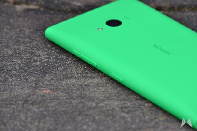 Nokia Lumia 735 04