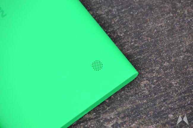 Nokia Lumia 735 07