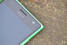 Nokia Lumia 735 09