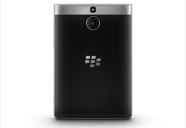 blackberry passport silver rückseite