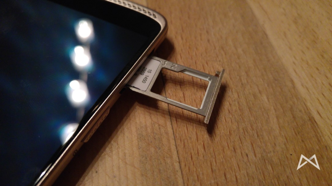 ZTE Axon Mini Dual-SIM