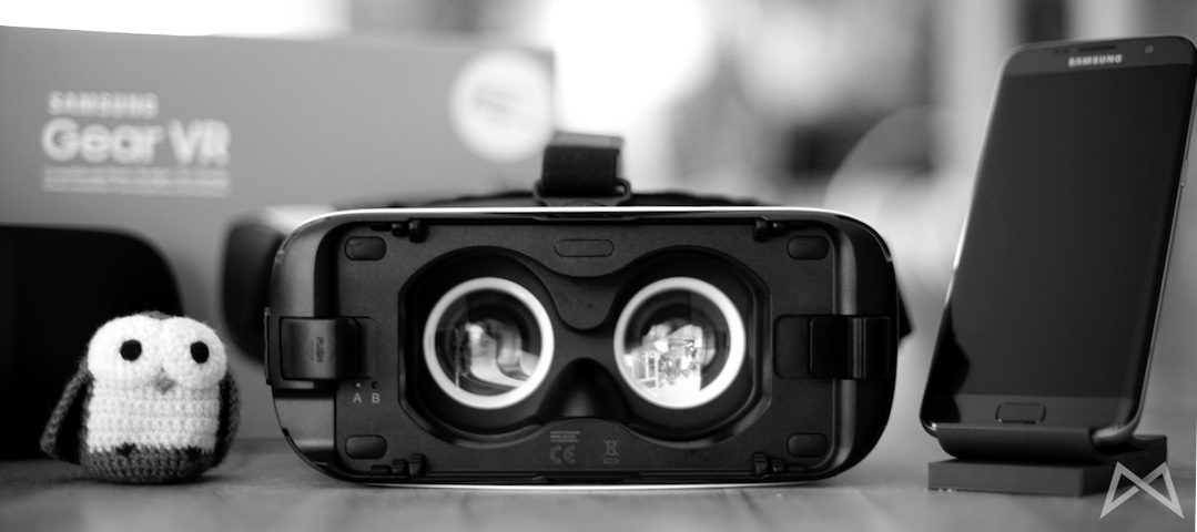 Samsung GearVR Gear VR Header BW