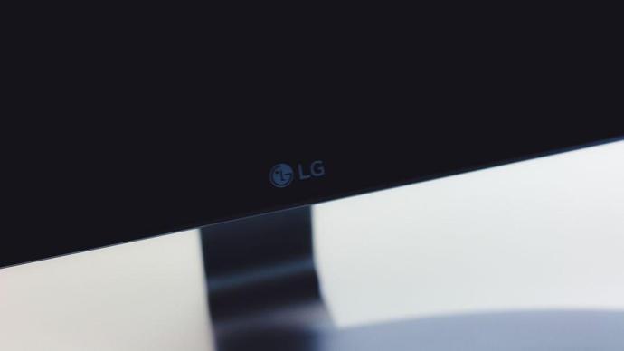 LG_27UD68-W_007
