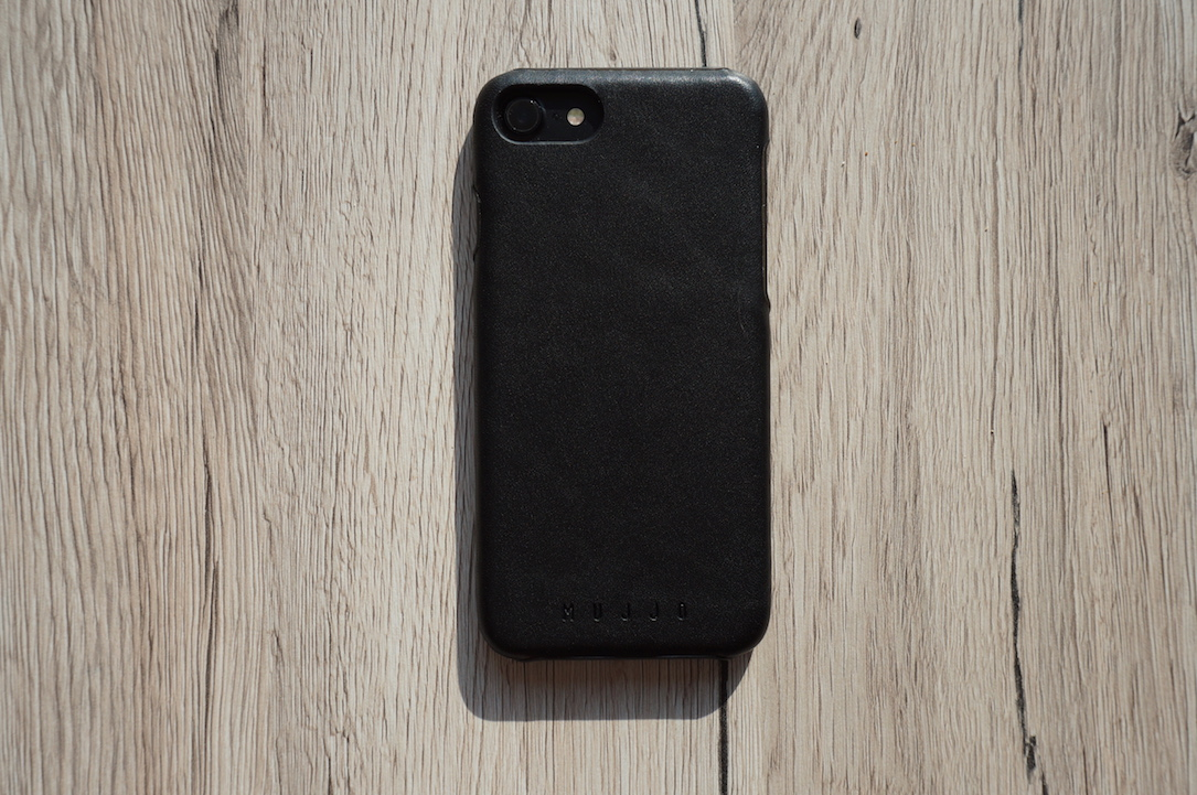 mujjo-iphone-7-leather-case-test3